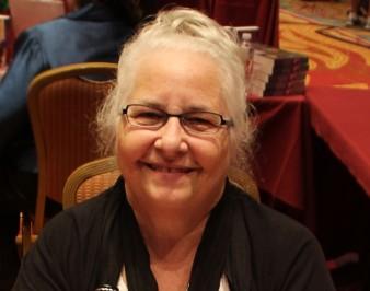 Кэролин Браун: биография автора, книги, факты