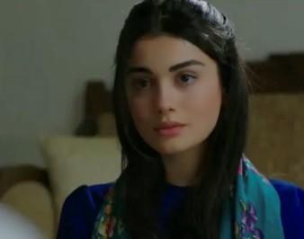 Турецкая актриса Озге Ягыз: биография, фото, фильмография, рост, вес