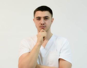 Максим Бондарь: биография мануального терапевта, фото