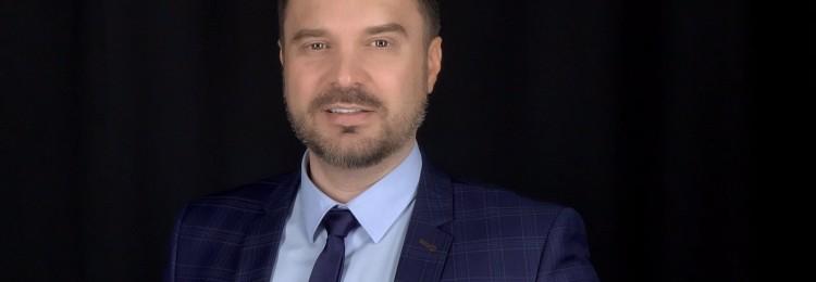 Руслан Осташко: биография ведущего на Первом канале, национальность, сколько лет