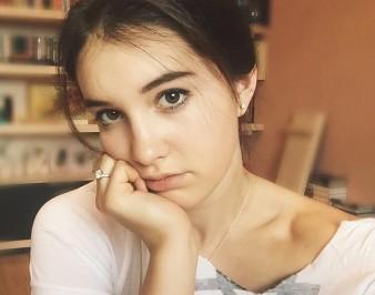 Василиса Даванкова: биография, где живет, с кем встречается, рост, вес