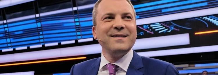 Евгений Попов: биография журналиста, ведущего, фото