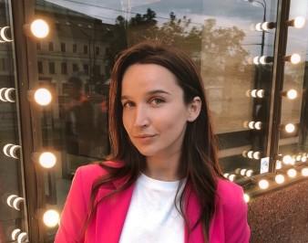 Мария Смолина (TikTok): биография учителя-блогера, фото