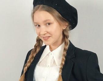 Савчиц Алиса: биография, семья, фото