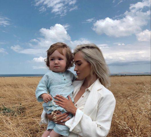 Екатерина Мезенова: биография и фото блогера, сын, муж, сколько лет
