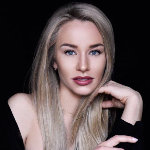 Женя Искандарова: биография, сколько лет, рост, личная жизнь, фото