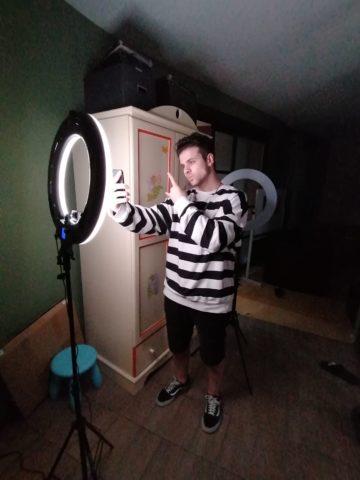 Ed Breezy (Эд Бризи, Super House): биография тиктокера, фото, видео