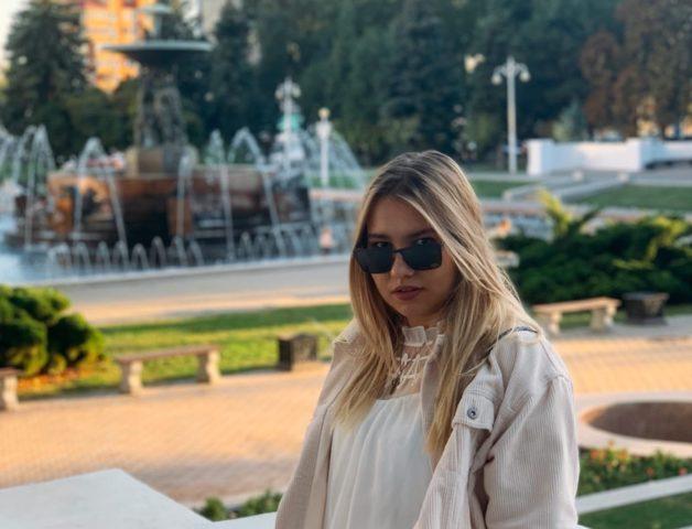 Ульяна Молокова (Julie Wanna): биография, личная жизнь, фото