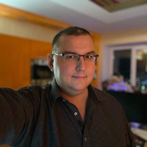 Антон Логвинов: биография, возраст, личная жизнь, канал на Ютуб, фото