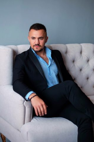 Василий Пасечник (Голос 9 сезон): биография, фото, сколько лет