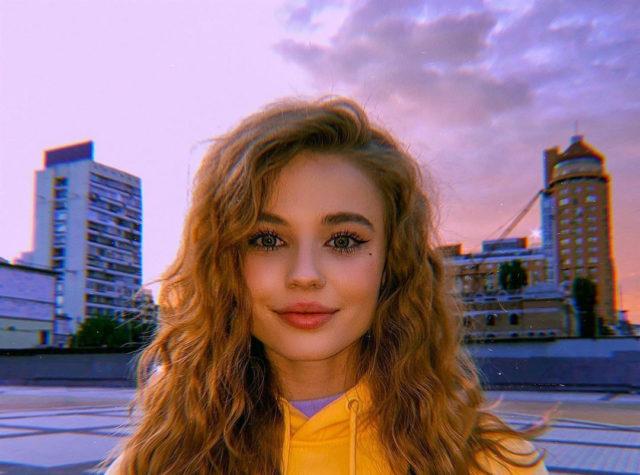 Лиза Василенко: биография, возраст, фильмография, с кем встречается, родители, брат